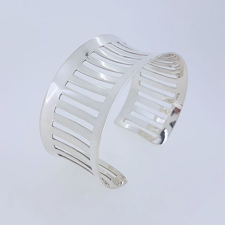 Open Design Silver Bangle (CBA-0358)