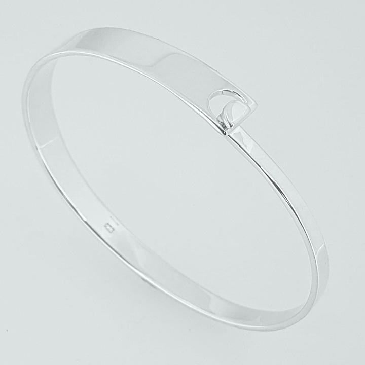 Sterling Silver Clasp Bangle (BA-B818)